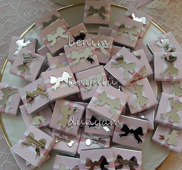 ayna-gorselli-fiyonklu-pembe-kiz-bebek-dogum-cikolatalari