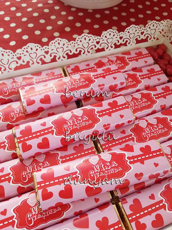 isim-yazili-kalp-tasarimli-baton-dogumgunu-cikolatalari